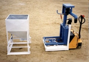 Multiple Feed System with Exchangeable Hopper Boxes