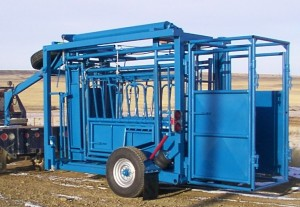 Mosdal Rockshaft Cattle Scale with a gooseneck hitch for easy towing.