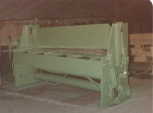 Thelmer Mosdal built this shear